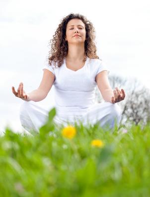 yoga so lernen sie zu entspannen. Black Bedroom Furniture Sets. Home Design Ideas